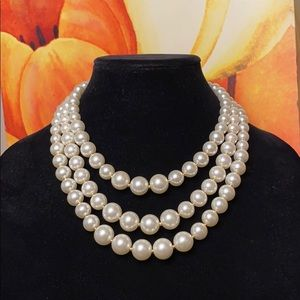 Pearl Graduated 3 Strand Necklace